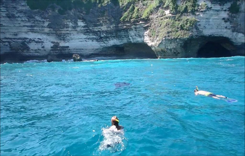 snorkel-nusa-penida-bali-indonesia-crystal-divers (3)